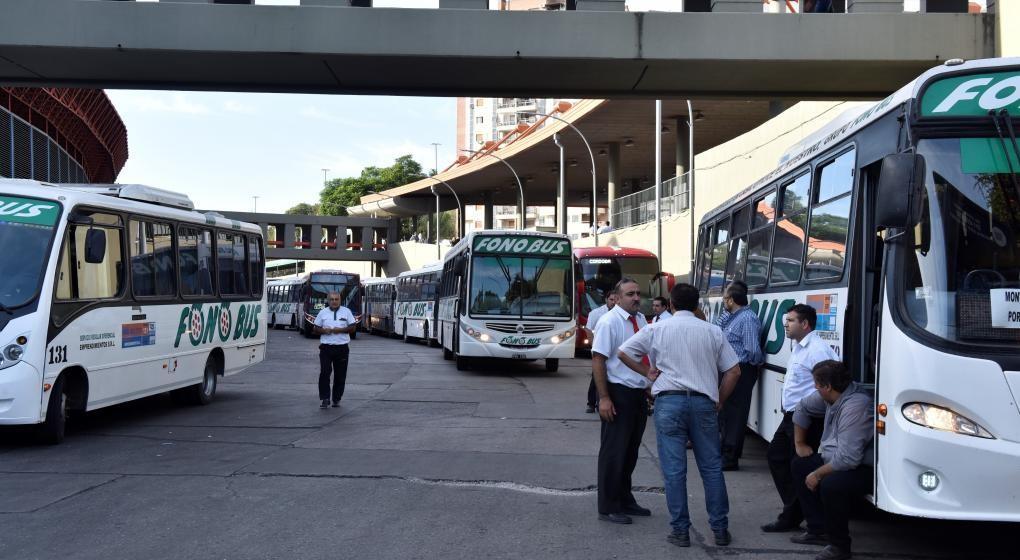 Garantizan el servicio de transporte interurbano tras acuerdo con Aoita