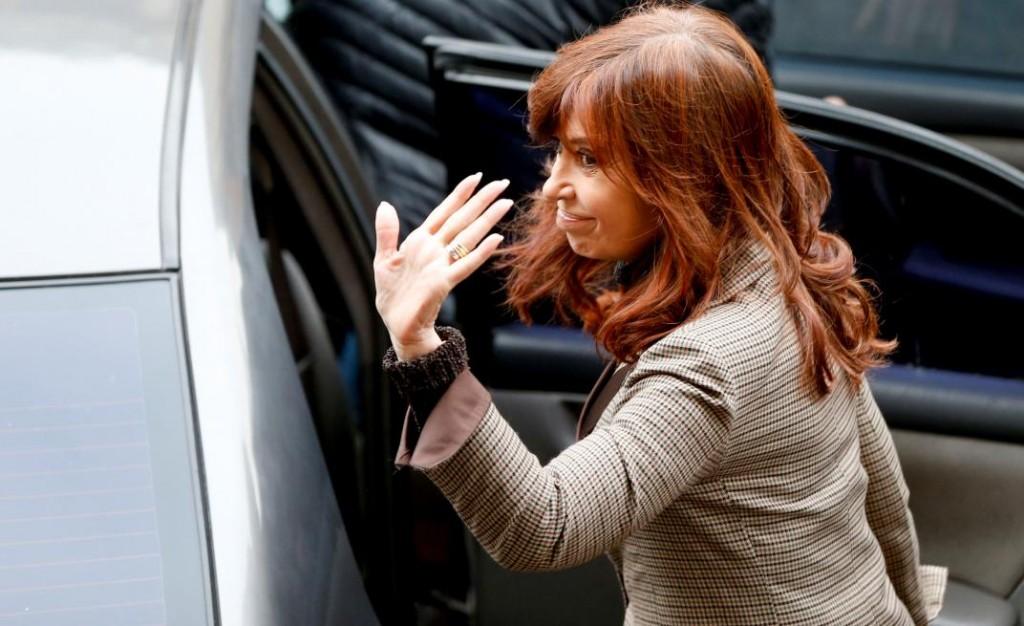 Tras informar a Bonadio, Cristina viajará a Cuba por la salud de su hija