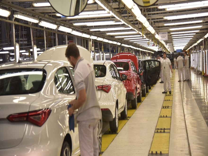 Cierre de planta de cajas de Fiat afectaría casi 700 empleos
