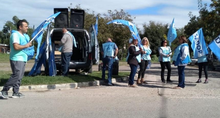 Representantes de SADOP reclaman por despidos