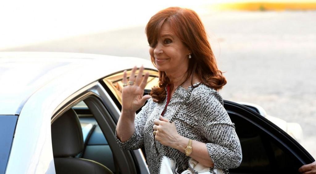 Cristina Fernández procesada por usar los aviones oficiales para trasladar diarios