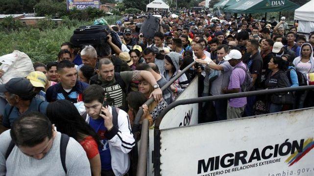 En Colombia no dejan entrar a personas que se llamen Maduro
