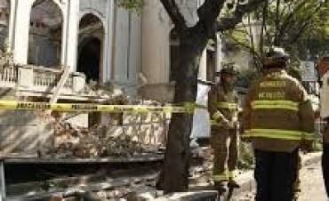 Un fuerte terremoto sacudió el centro y sur de México