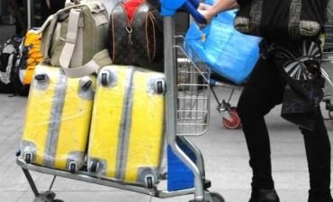 Ordenan detenciones por robo de equipaje en Aerolíneas y Austral