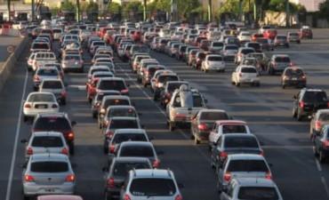 El Jueves Santo comenzó con varios choques y tránsito muy lento en las principales rutas