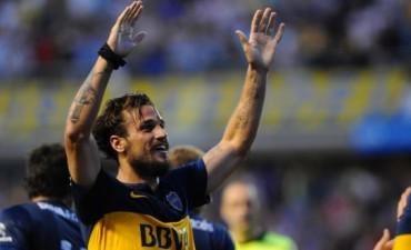 Boca derrotó a Huracán y es único líder