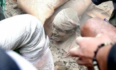 Son más 1.800 los muertos por el terremoto en Nepal