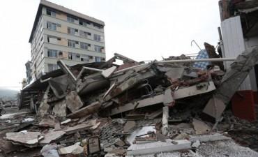 Ecuador: asciende a 246 el número de muertos por el terremoto