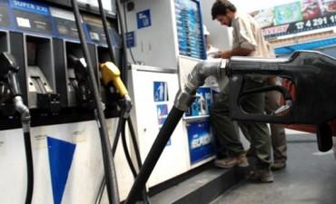 Los combustibles aumentarán 10% desde la medianoche