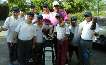 Una escuelita especial con un maestro del Golf