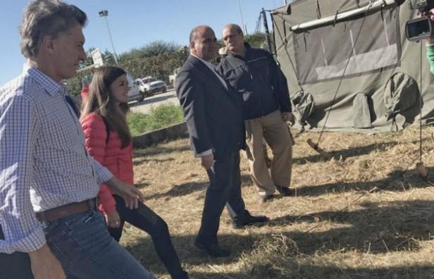 Macri recorrió zonas afectadas por la inundación en Tucumán