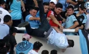 Muerte cerebral para Emanuel Balbo, el hincha de Belgrano que fue arrojado desde la tribuna