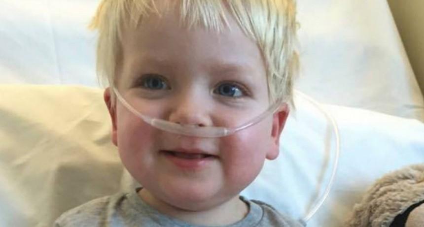Iban a desconectarlo y despertó: le ganó al cáncer