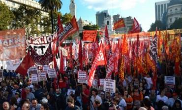 Con críticas al Gobierno y al sindicalismo, la izquierda se movilizó por el Día del Trabajador