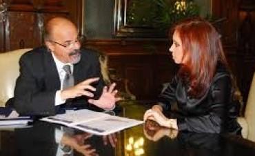 El gobierno de Cristina se niega a quitar -por ahora- el impuesto a los trabajadores