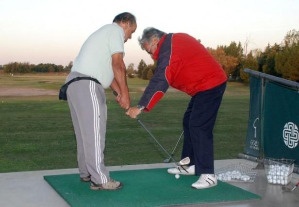 Clases de iniciación de golf para adultos