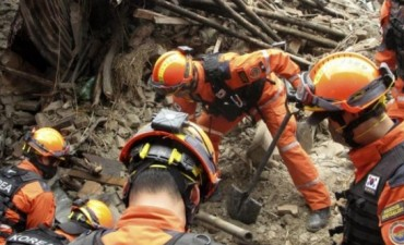 Nuevas avalanchas paralizan la búsqueda de desaparecidos en el terremoto de Nepal
