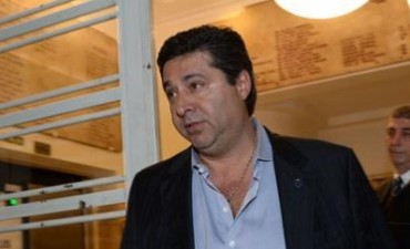Angelici renunció a la vicepresidencia de AFA