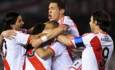 River goleó a Cruzeiro 3-0 y se clasificó a las semifinales