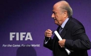 Confirman a Blatter en la FIFA sin apoyo de Conmebol