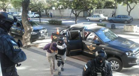 Detuvieron a una ex guardia cárcel que vendía droga en Villa Dolores