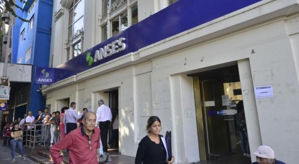 Anses pagará el medio aguinaldo junto al haber de junio
