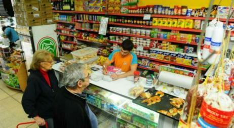 Los precios subieron 3,19% para los almaceneros en abril