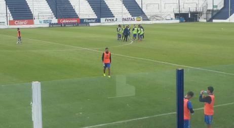 Bebelo Reynoso está en condiciones de jugar contra Sarmiento según Talleres