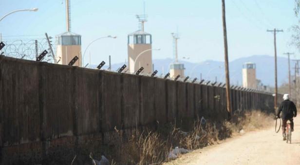 Presos mataron a otro interno en la cárcel de Cruz del Eje