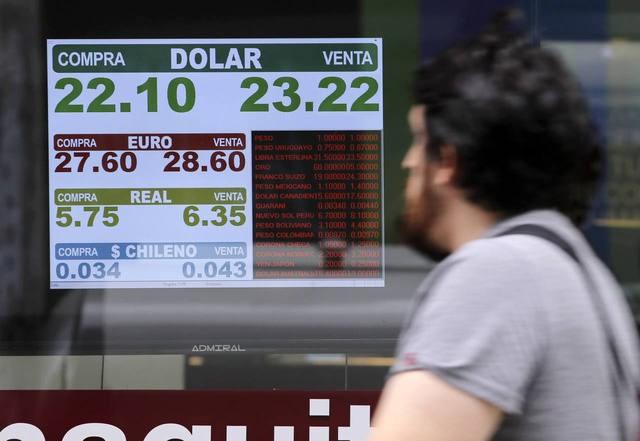 Pese a la intervención del Central, el dólar cerró a $23,22