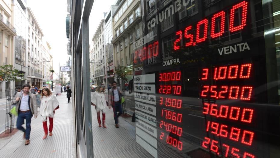 Luego de dos días de calma, el dólar subió 9 centavos y cerró a $ 24,89