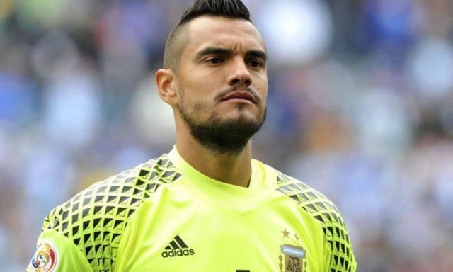Romero, baja de último momento por lesión, sera reemplazado por Nahuel Guzmán