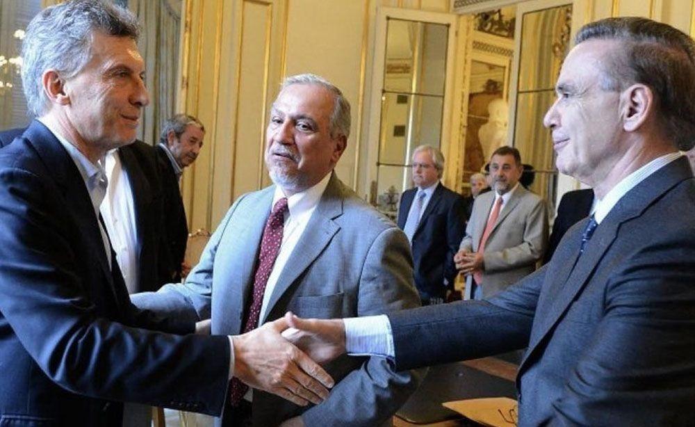 Mauricio Macri se reunió con senadores del PJ para torcer la votación del proyecto opositor