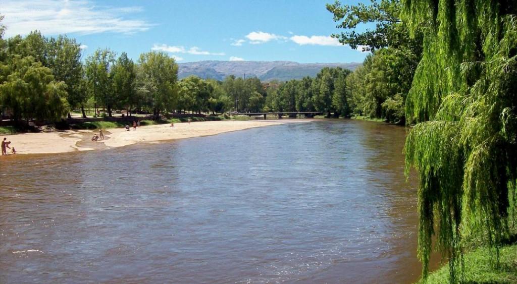 El río Mina Clavero, declarado una de las