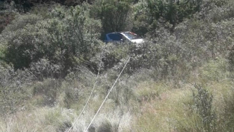 Cayó con su auto por un precipicio en el Camino del Cuadrado