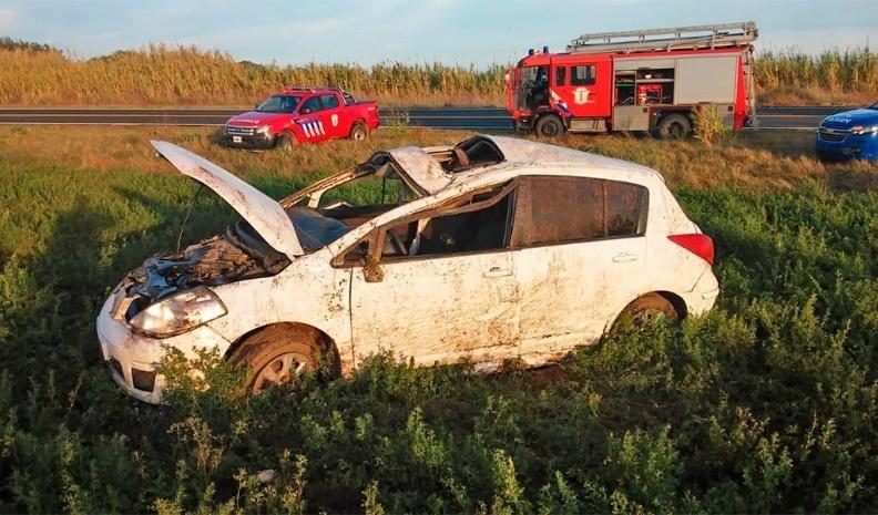 Dos muertos al volcar un auto en el sur cordobés