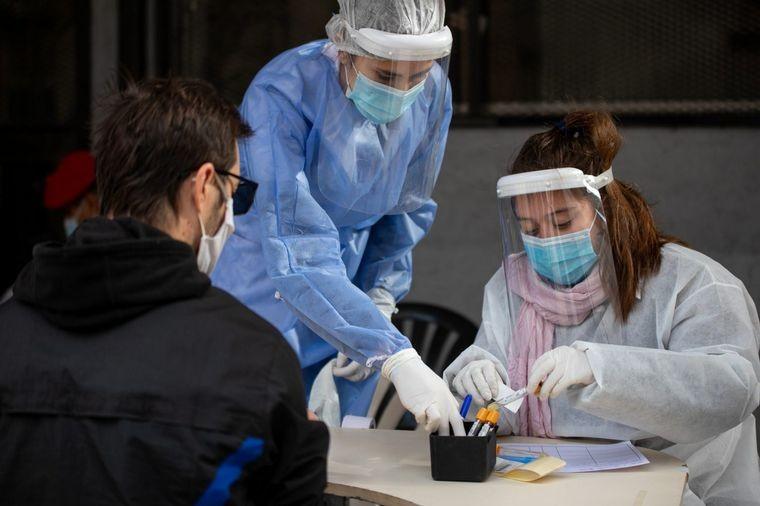 Coronavirus en Córdoba: 34 fallecidos y 3.541 contagiados. Villa Allende 39 detectados