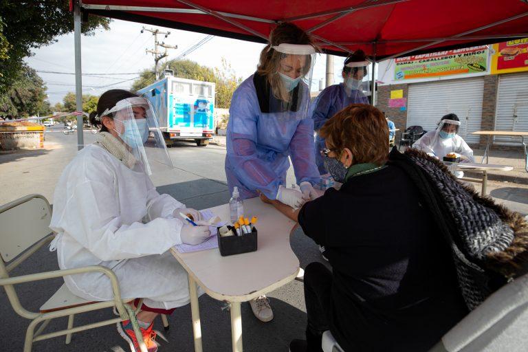 Récord de contagios diarios en Córdoba: 2.642 casos. Villa Allende 29 detectados