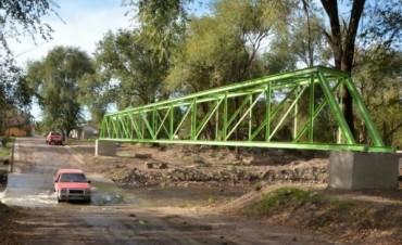 Avances en la limpieza y sistematización de arroyos, reemplazo y arreglo de pasarelas y puentes