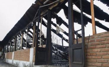 Sospechas por incendio en un local en Las Tapias