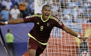 Venezuela dio el golpe: derrotó a Uruguay y se clasificó a cuartos de final