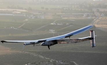 Histórico: por primera vez un avión solar cruzó el Atlántico