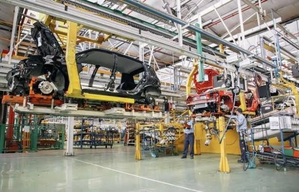 Fábrica Renault recibe currículums para sumar 700 obreros en Córdoba