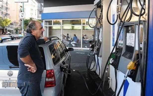 Analizan aumento de combustibles a partir del 1 de julio