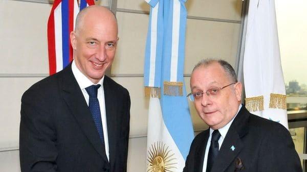 Reunión clave entre el canciller Jorge Faurie y el embajador de Gran Bretaña