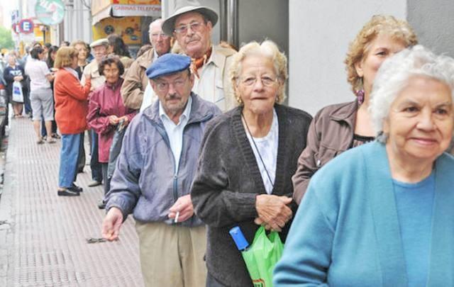 Ordenan restituir un aumento de 9% a jubilados