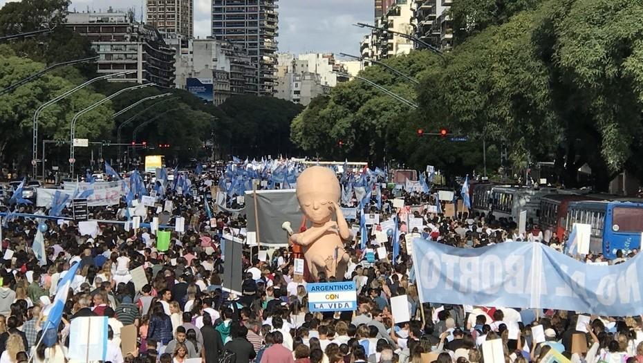 Organizaciones provida marcharon en toda la Argentina en la previa a la discusión en Diputados