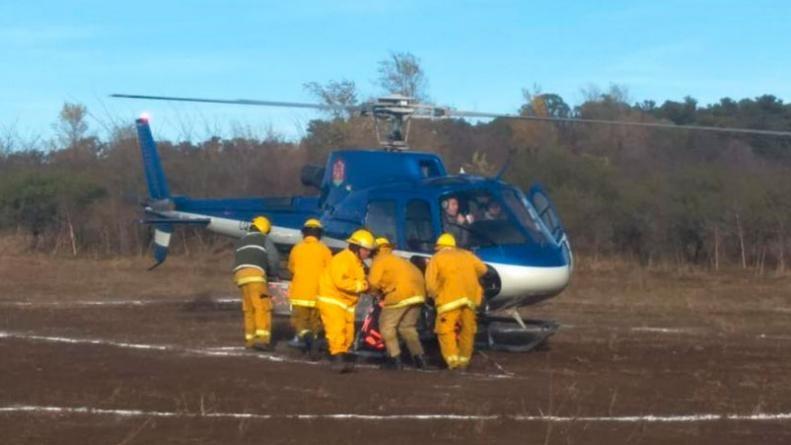 Gran esfuerzo de bomberos voluntarios para controlar un incendio en Alpa Corral