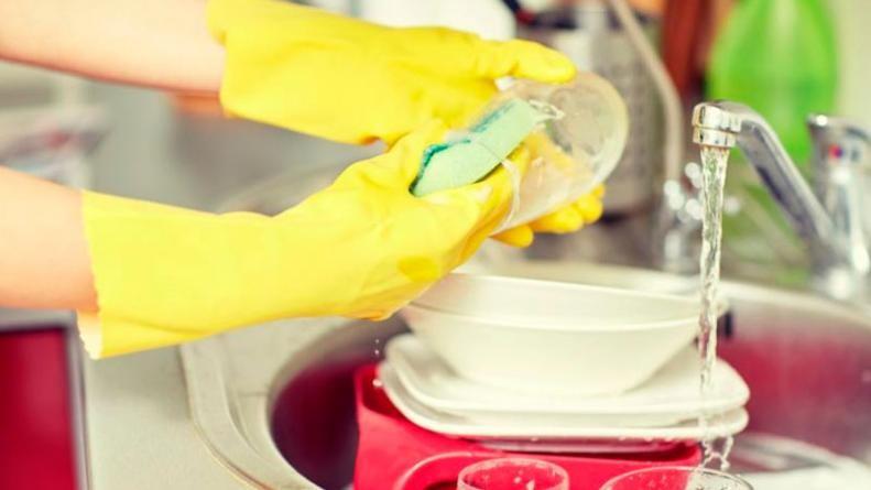 Aumentan un 30% el salario de empleadas domésticas y comienzan a reconocer antigüedad