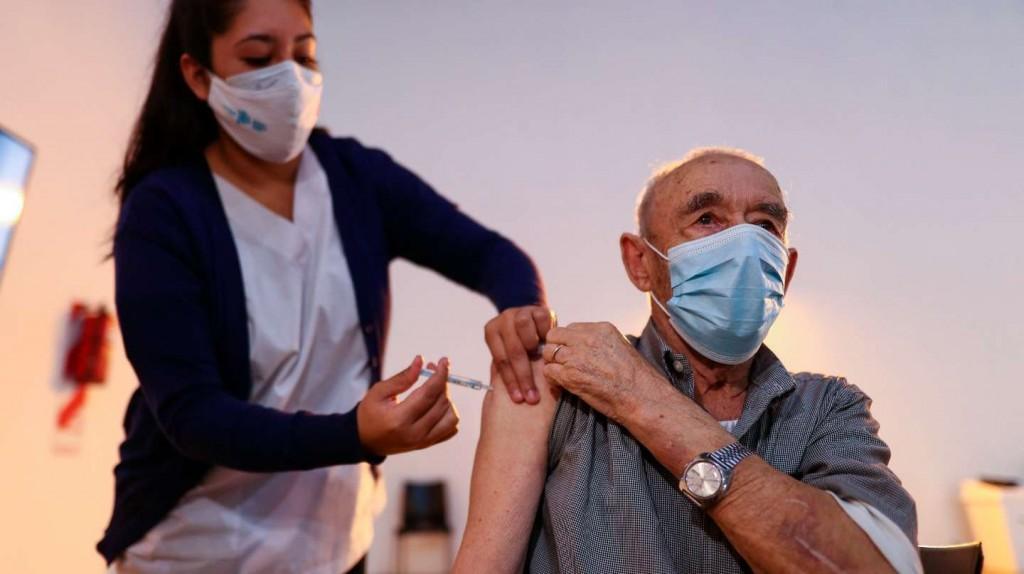 Se demora la llegada del segundo componente de la Sputnik V y sólo el 27% de los vacunados recibió la segunda dosis